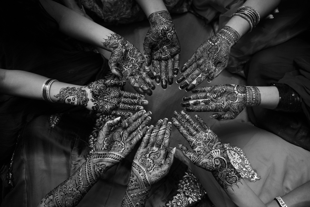 bridesmaids-mehndi-bridal-henna-wedding-indian-desi