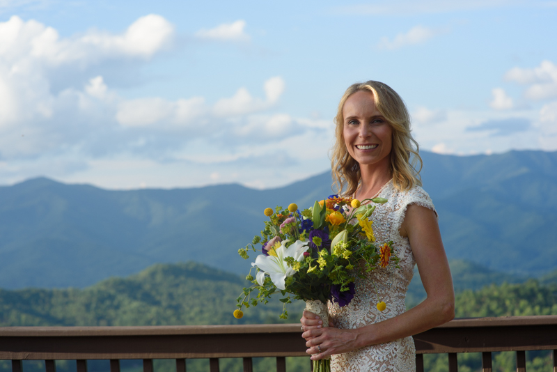 bridal portrait with the smokey mountains in the background