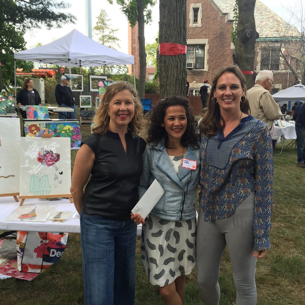 Art Festival  Larchmont Arts Festival  September 29, 2015  Constitution Park  The Larchmont Arts Festival was held in Constitution Park during which Kenise Barnes presented the Annual Kenise Barnes Fine Art Award with a $500 cash reward to a selected artist who showed merit and promise.