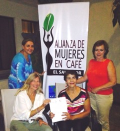 Earth's Choice Founder/President Karen Cebreros & Executive Director Roberta Lauretti-Bernhard meet with an El Salvador Banco Agricola to discuss microfinance collaboration.