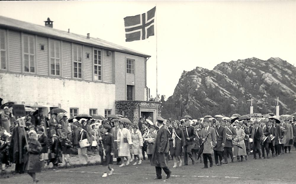 Kleppe skoles musikklag ankommer stevneplassen.