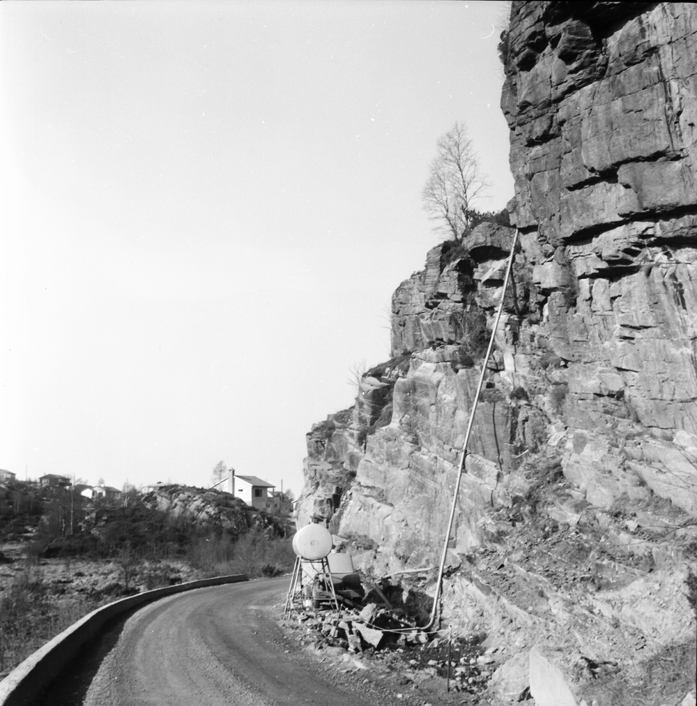 Andershilleren og Juvikflaten til venstre.