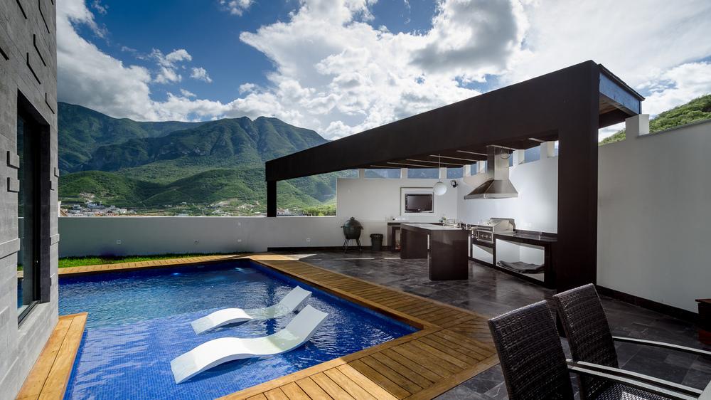 Casa Sierra Alta  / URBN Arquitectos / Monterrey NL