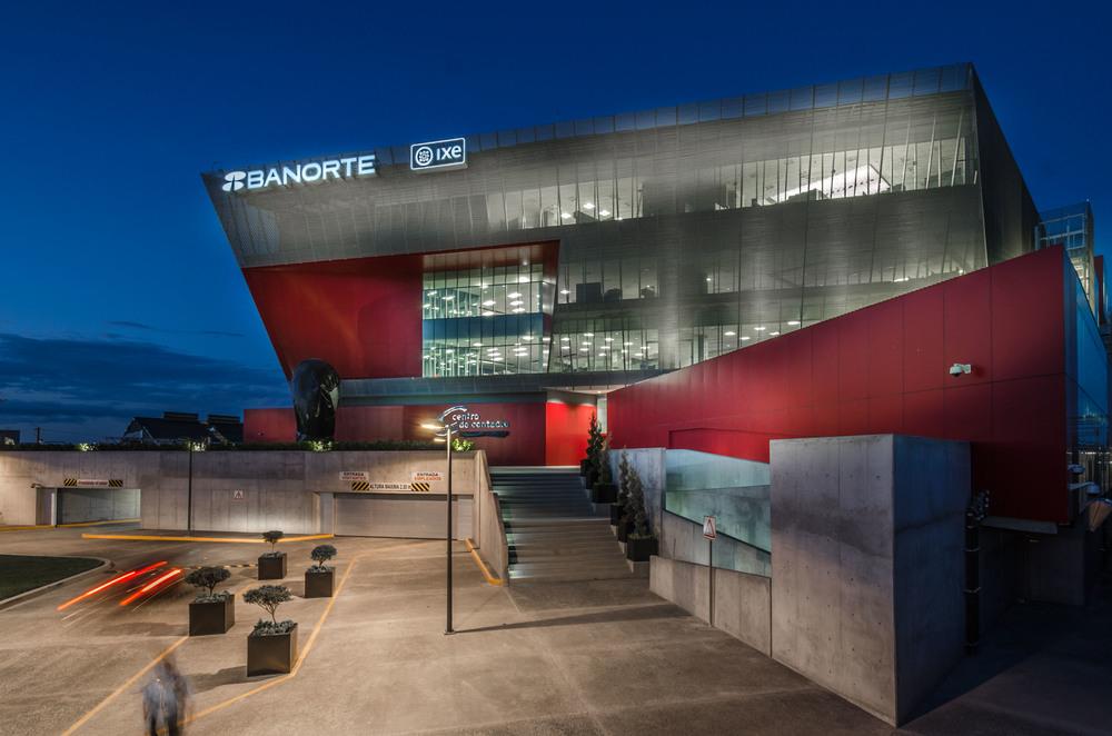 Centro de contacto Banorte Ixe  / Lenoir & Asociados / Monterrey