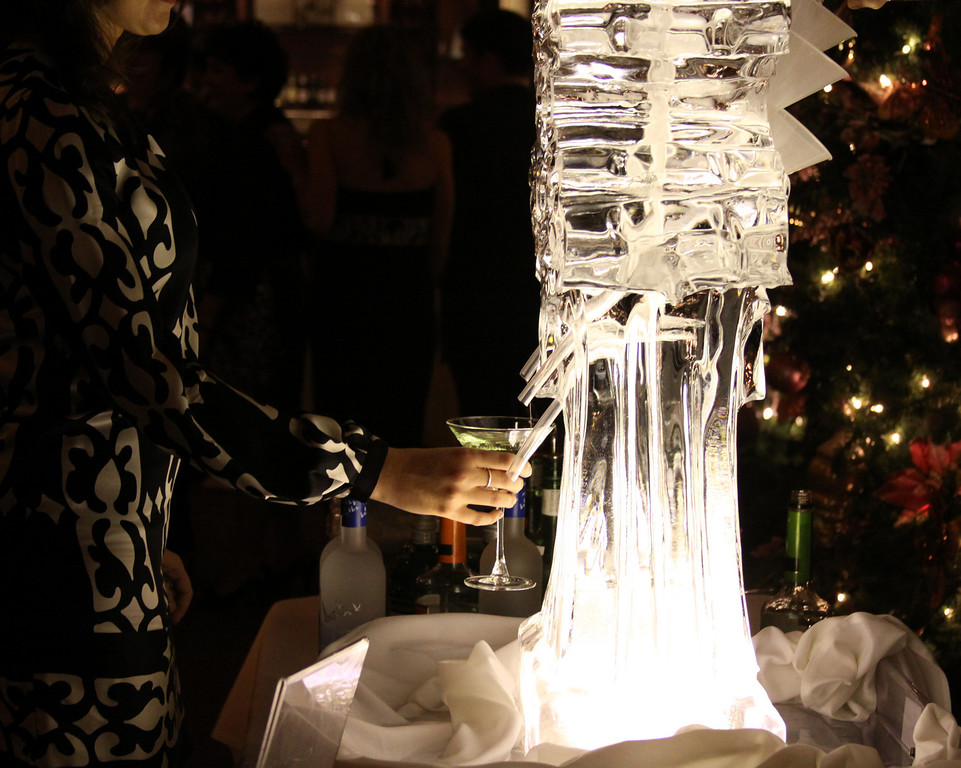 Ice sculpture.jpg