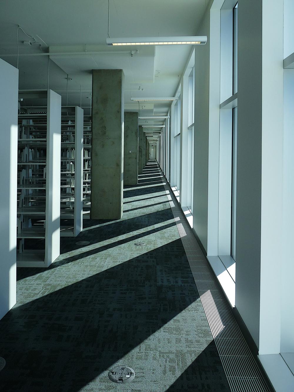 TFDL, interior