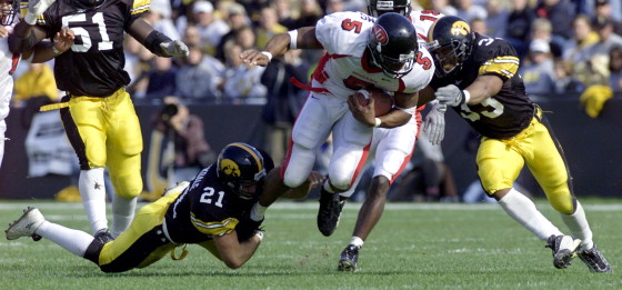 Levron Williams rushing his way to the last  1,000 yard season by a Hoosier back in 2001.