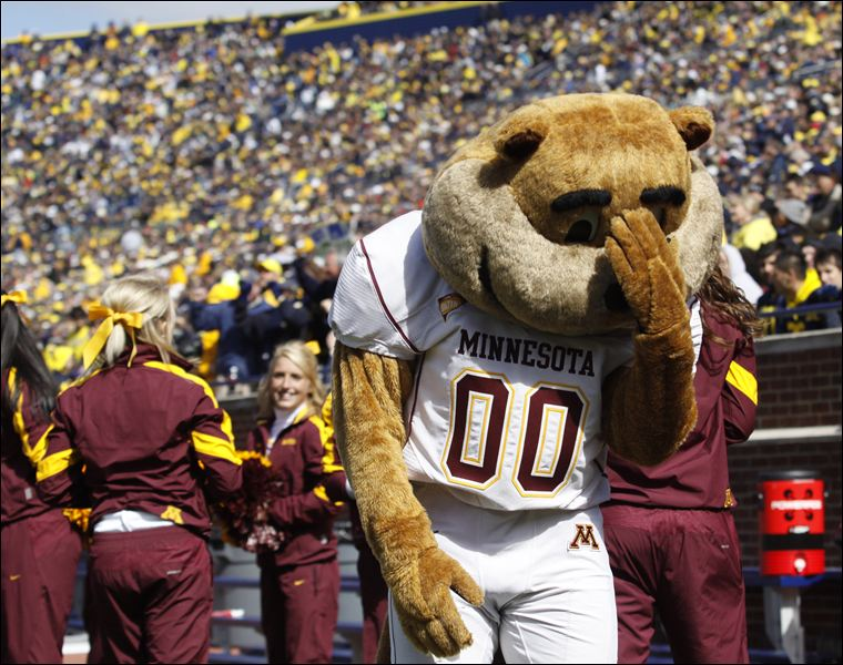 The Hoosiers will try and make Goldy hang his head during Homecoming.