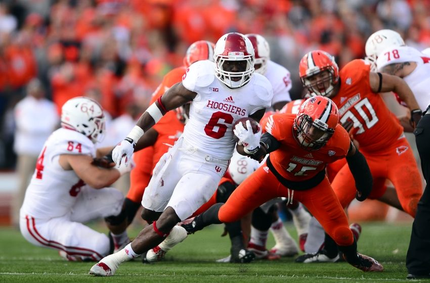 Tevin Coleman breaks free for a long Run against the Bowling Green Falcons Last Fall. The Talented Illinois Native will be waiting to hear his name called from the podium of the NFl draft in Chicago.  Mandatory Credit: Andrew Weber-USA TODAY Sports