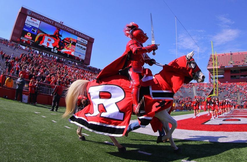 The Rutgers Scarlet Knights invade Bloomington on Homecoming in 2015