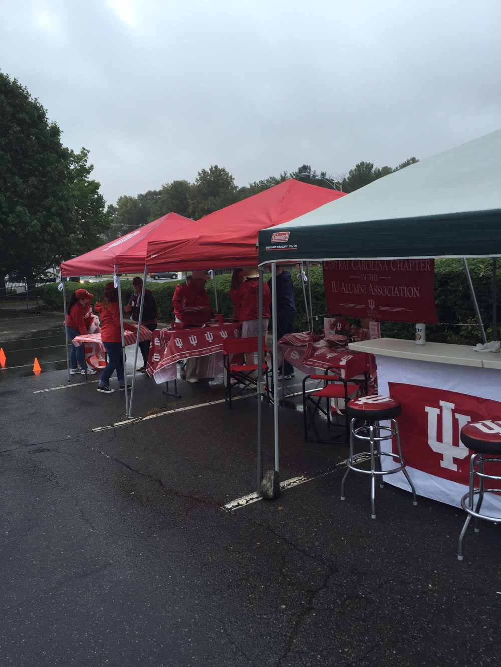Hoosier fans are out in force despite the gloomy weather.  Image: Brian Tonsoni, SuperFan Extraodinare.