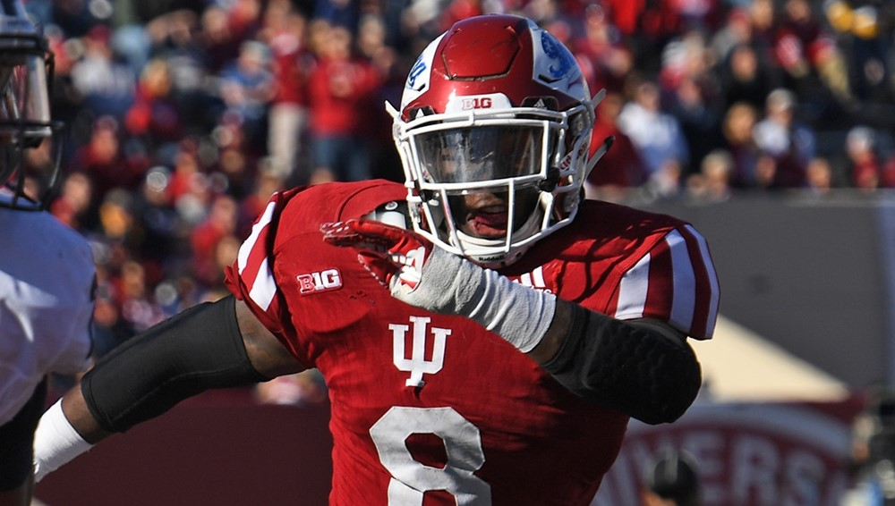 Tegray Scales (8) earned All-American honors in 2016. Now he is on the Lott Impact Trophy Watch List Image: IU Athletics