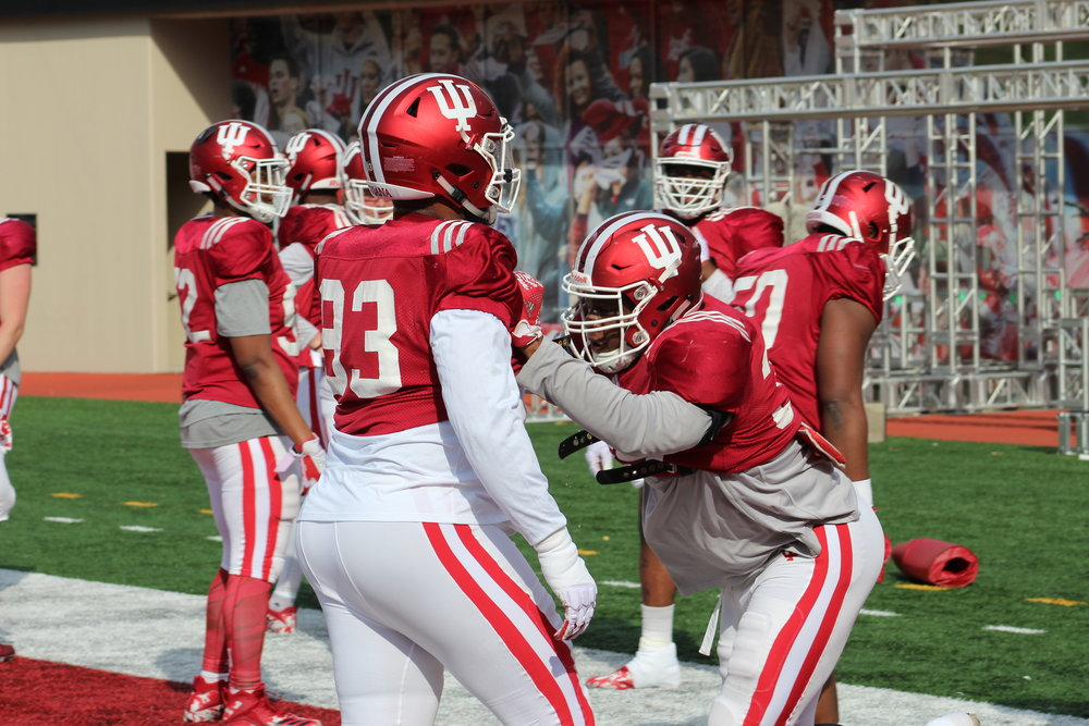 Indiana warms up before a scrimmage  Image: Sammy Jacobs Hoosier Huddle