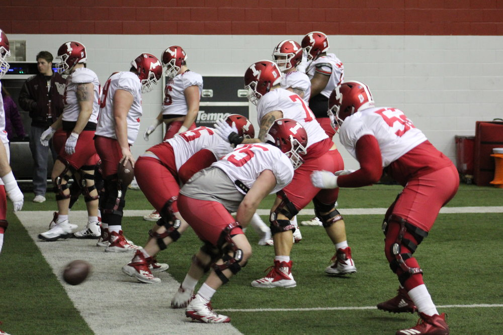 The offensive line working on blocking drills  Image: Sammy Jacobs Hoosier Huddle