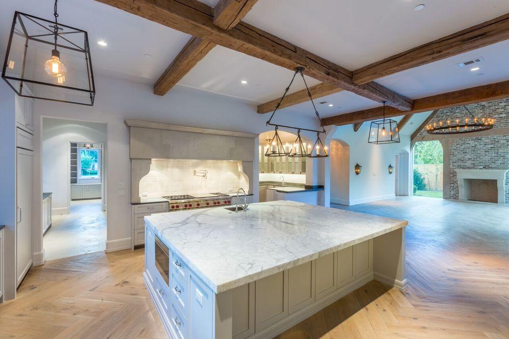 4_bh_kitchen.jpg