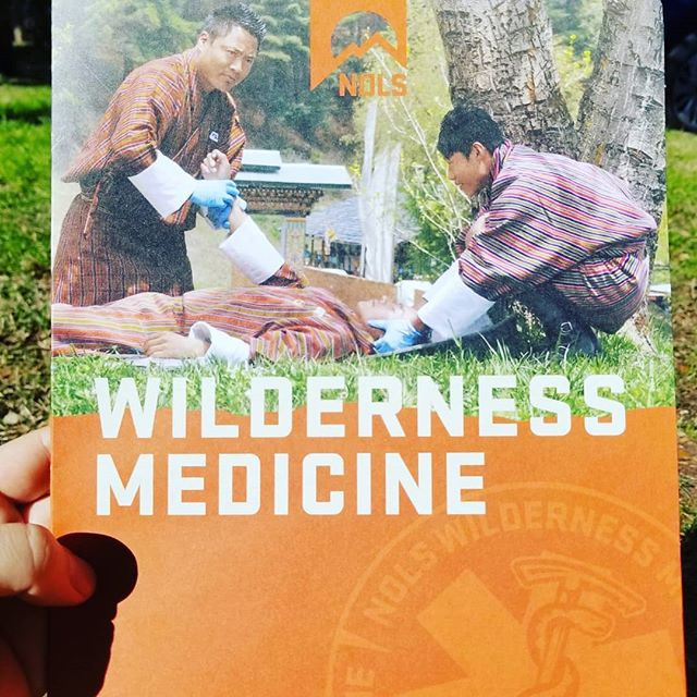 Wilderness First Aid course with @nolsedu and @rei - a two day course with really great info for urban and wild first aid. ... #wrf #nols #wildernessfirstaid #beprepared #nature #offgrid #urban #triage #wildernessmedicine #outdooreducation #survival #firstresponders #wilderness #wfa #pas #education