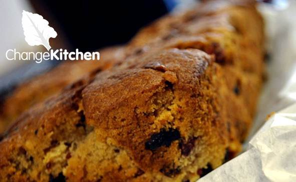 ChangeKitchen : homemade gluten free  spiced apple cake