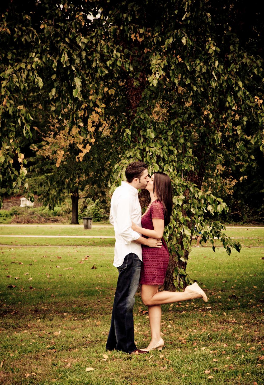 kissingac.jpg