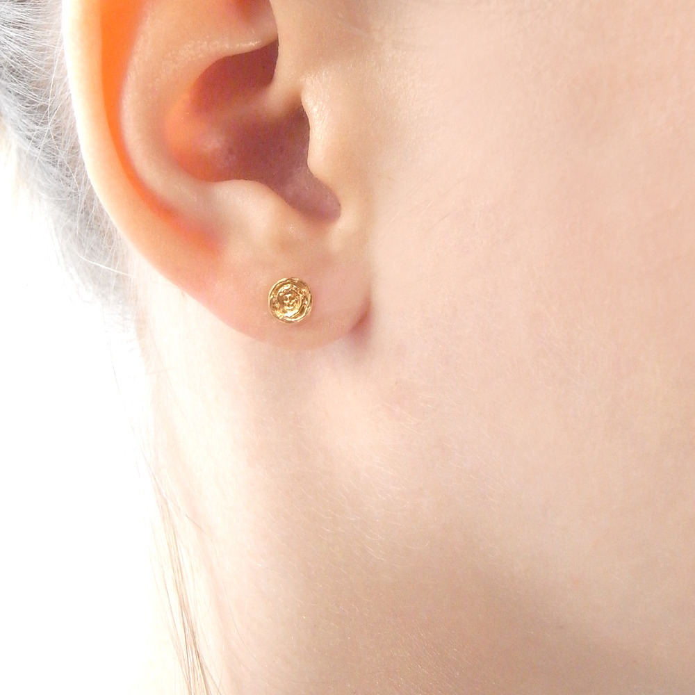 Momocreatura: Baby Skull In Rose Earrings Gold | Jewelry > Earrings -  Hiphunters Shop