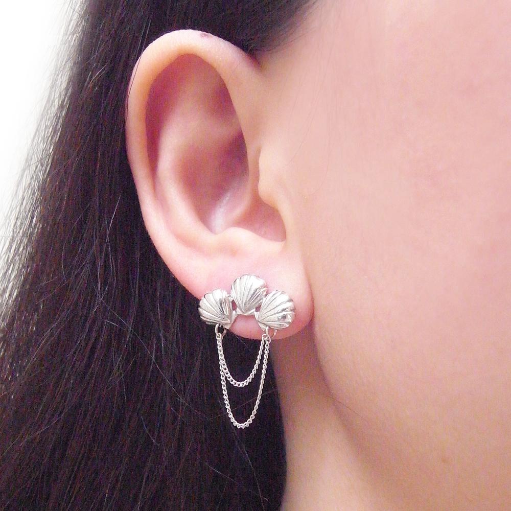 Momocreatura: Triple shell earrings silver | Jewelry > Earrings -  Hiphunters Shop