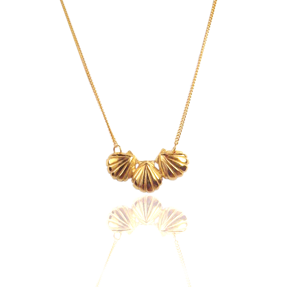 Momocreatura: Triple shell necklace gold - Hiphunters Shop