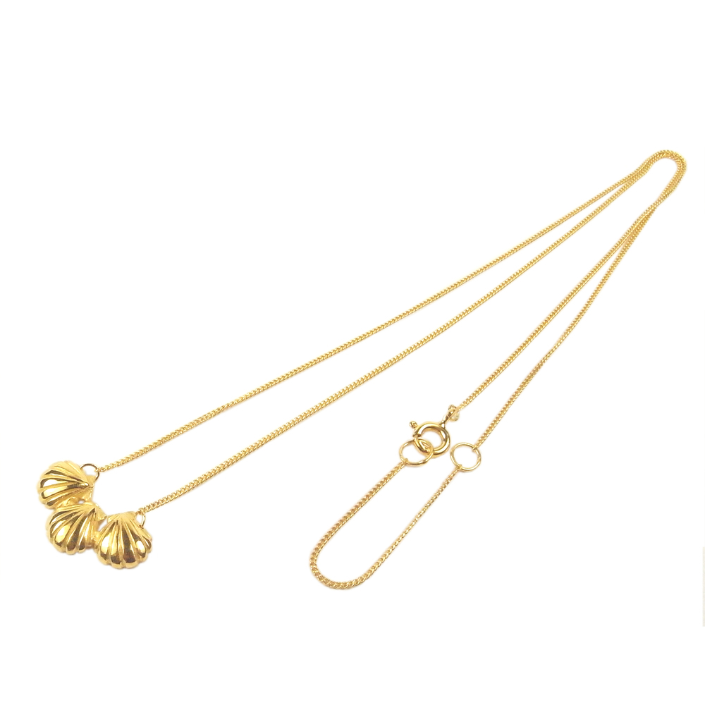 Momocreatura: Triple shell necklace gold   Jewelry > Necklaces -  Hiphunters Shop