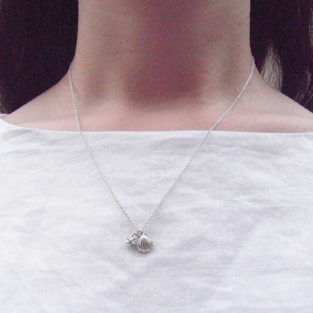 Momocreatura: Shell and tiny star necklace silver | Jewelry > Necklaces -  Hiphunters Shop