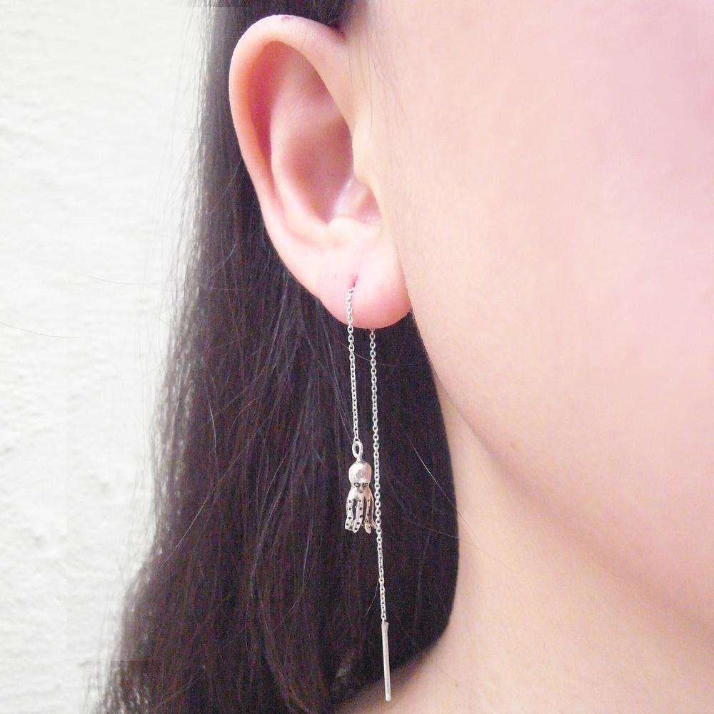 Momocreatura: Octopus dangling earrings silver   Jewelry > Earrings -  Hiphunters Shop