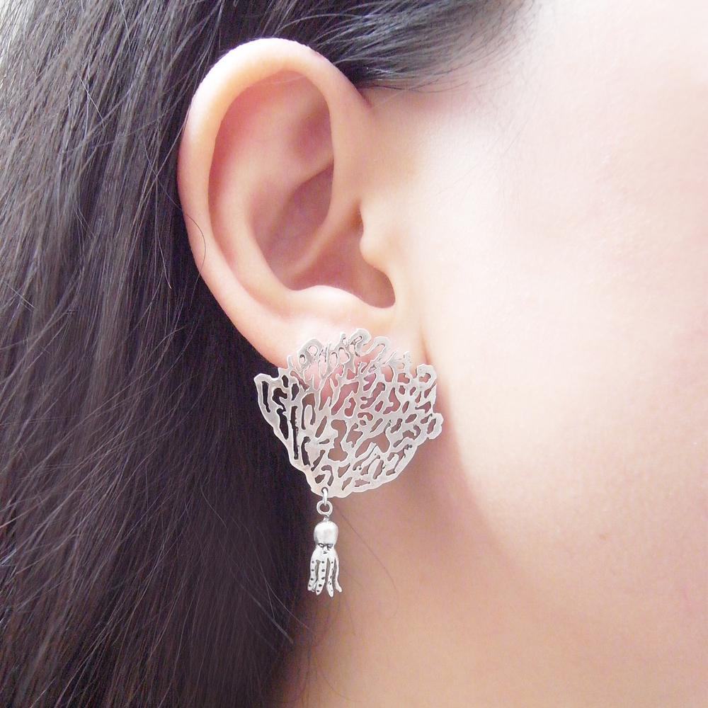 Momocreatura: White coral and octopus single earring silver | Jewelry > Earrings -  Hiphunters Shop