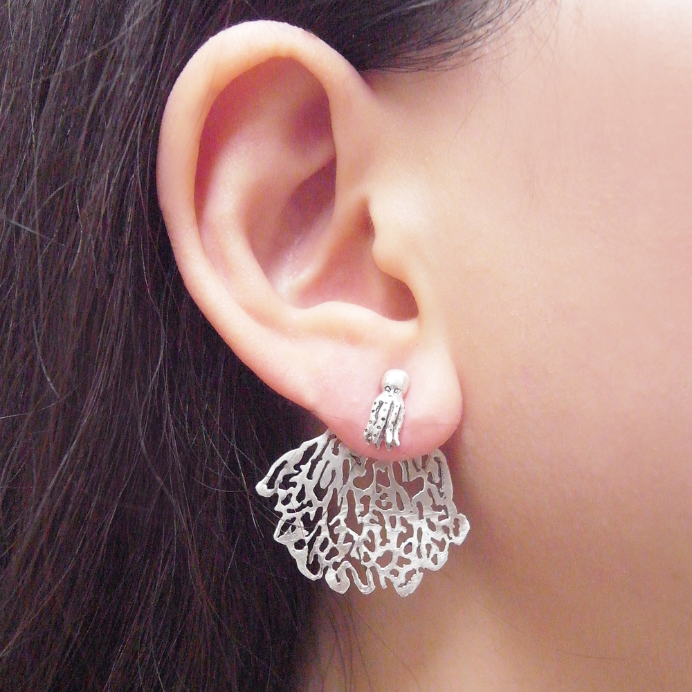 Momocreatura: White coral and octopus single stud earring silver | Jewelry > Earrings -  Hiphunters Shop