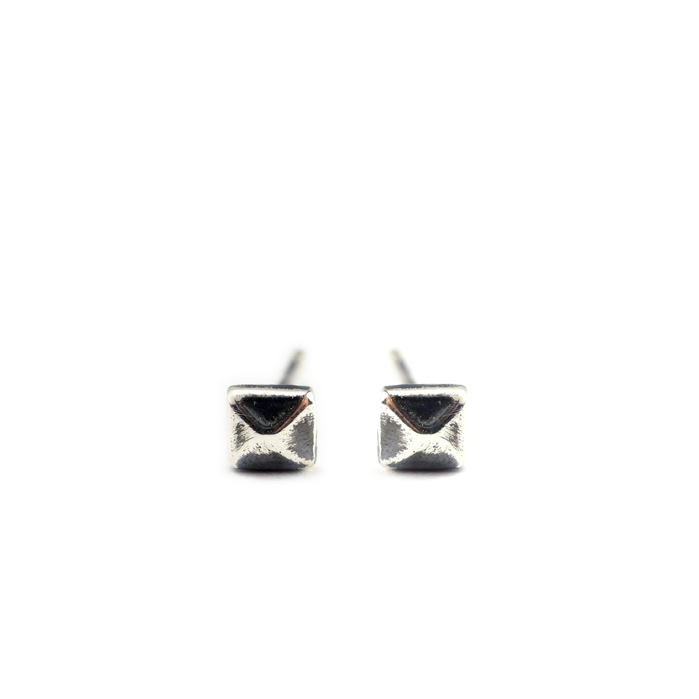 Micro stud earrings silver