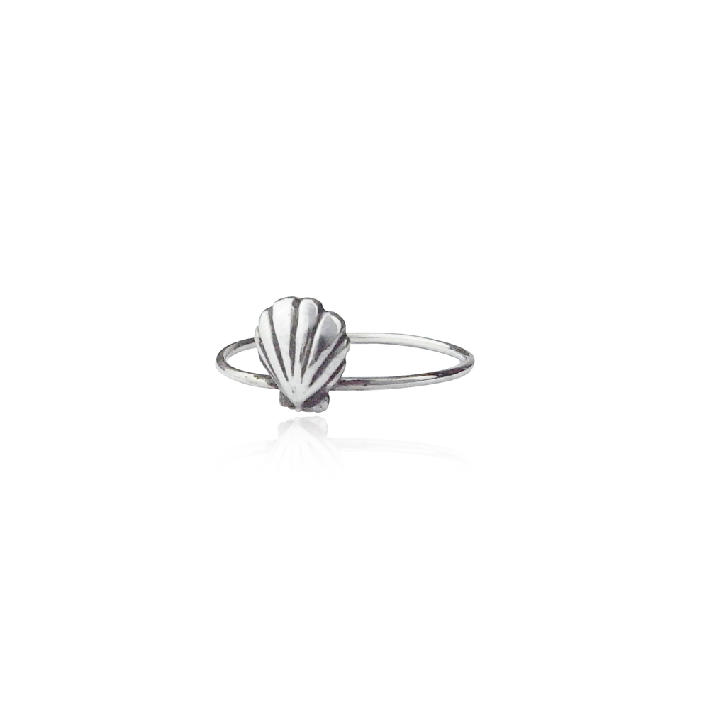 Single shell ring silver