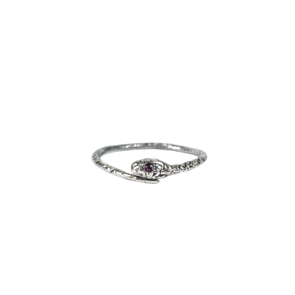Tiny snake ring - Silver - Ruby eyes