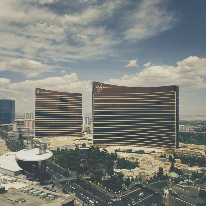 —sin  city—*     Wynn+Encore    Camera: 5DMrkII // 24-70mm   Location: Las Vegas, Nevada    Recently just got back from vegas and as always, had the time of my lifeeee!