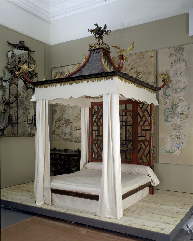 The Badminton Bed at the V&A, London , designed by John  and William Linnell, 1754  It looks a little foreboding and rather unfriendly but no denying its decadence.