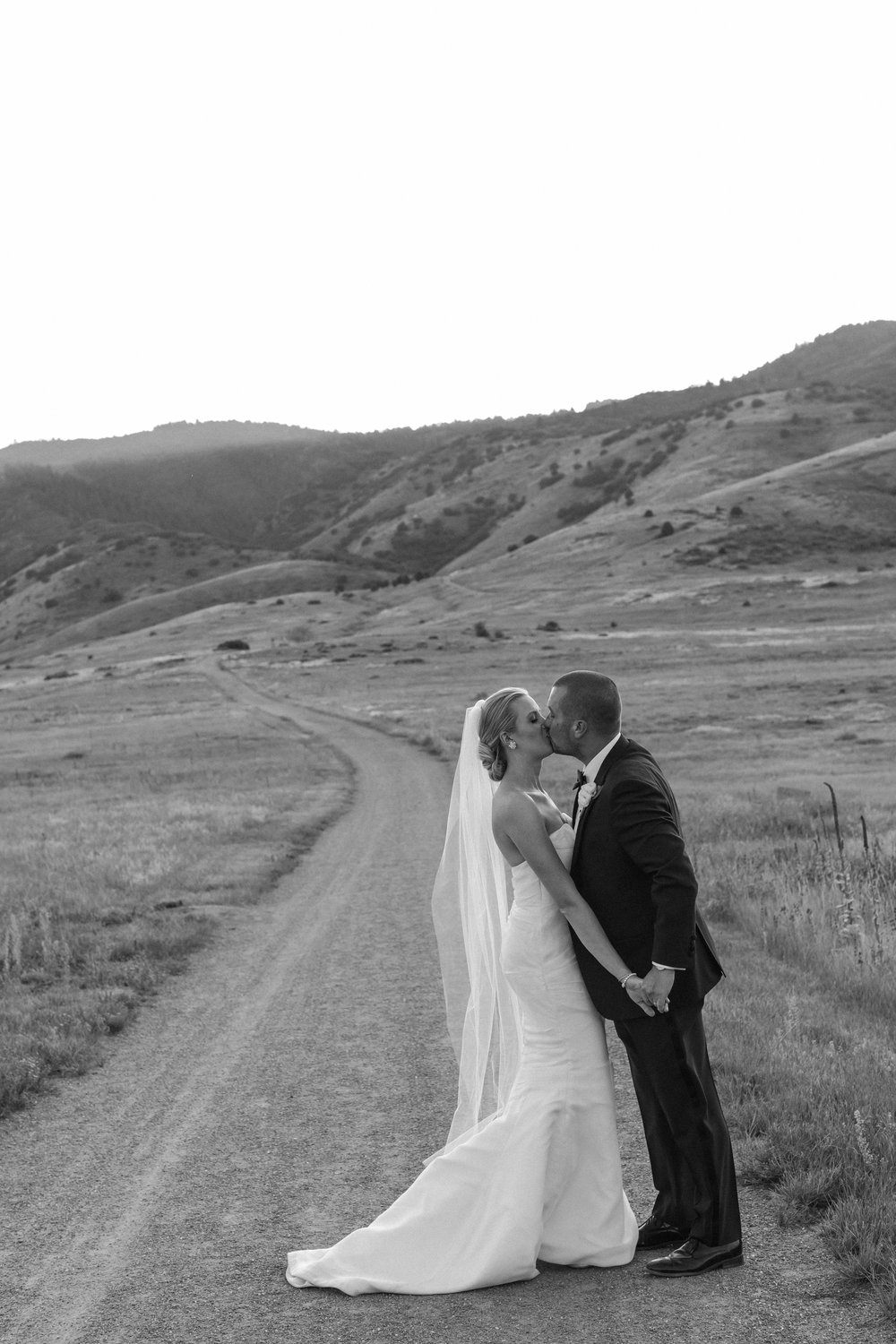 Hailley+Howard_Colorado+Wedding_The+Manor+House-471.jpg