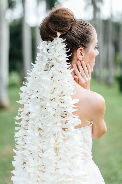 Royal Hawaiian Bride as featured in Style Me Pretty.  Photography by Carmen & Ingo