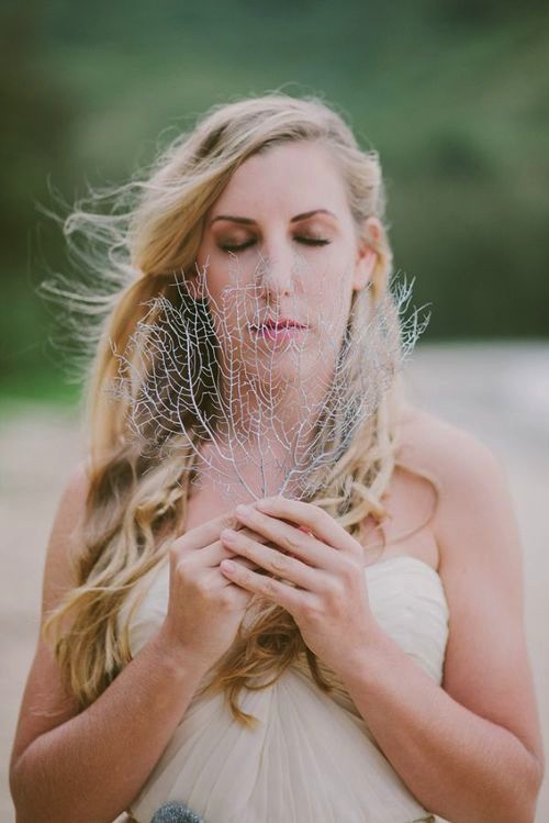 Mermaid Bride as featured in Modern Weddings Hawaii.  Photography by Fondly Forever