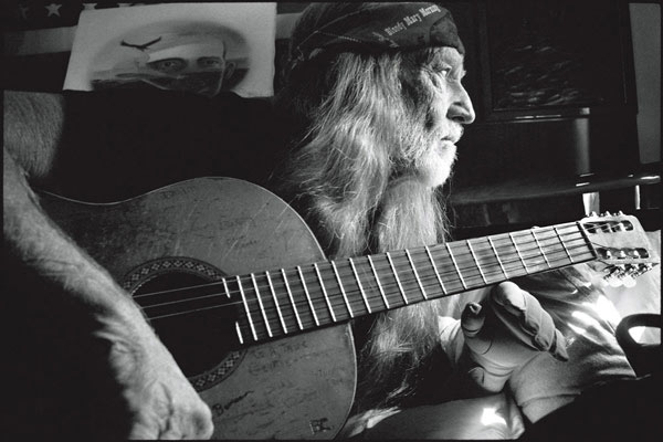 Willie_Nelson_Beverly_Hills_CA.jpg