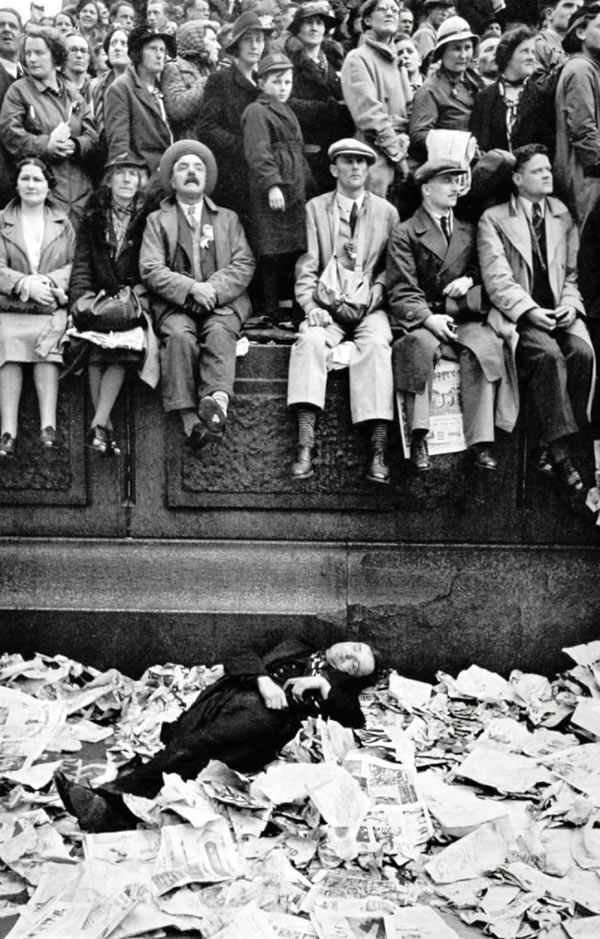 Henri Cartier-Bresson Coronation of King George VI, Trafalgar Square, London, 1937 14 x 11 inches (35.6 x 28 cm) gelatin silver print signed in the margin