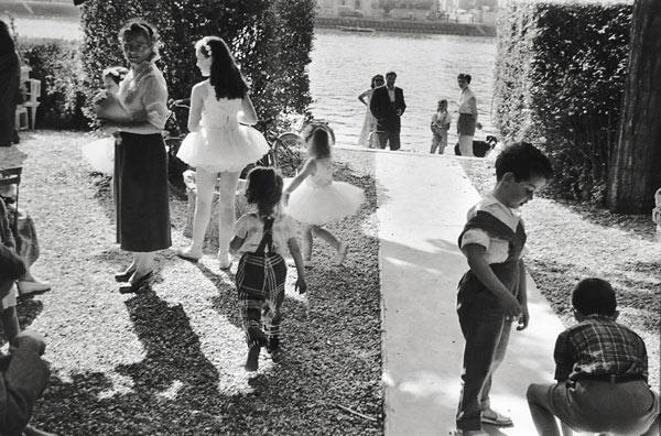 Henri Cartier-Bresson, Pres de Juvisy, France, 1955, Gelatin Silver Print