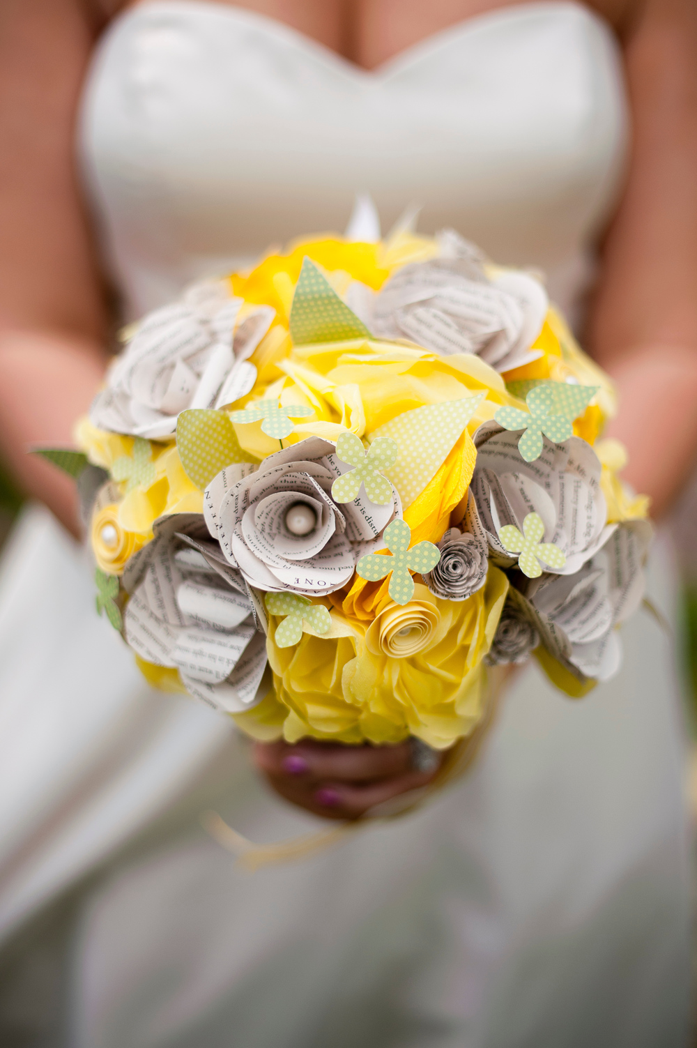 Flowers from the Garden was award Seattle Bride Magazine Best of 2013 Best Bouquet Alternative.  Michelle Feingold with Minerva Photography