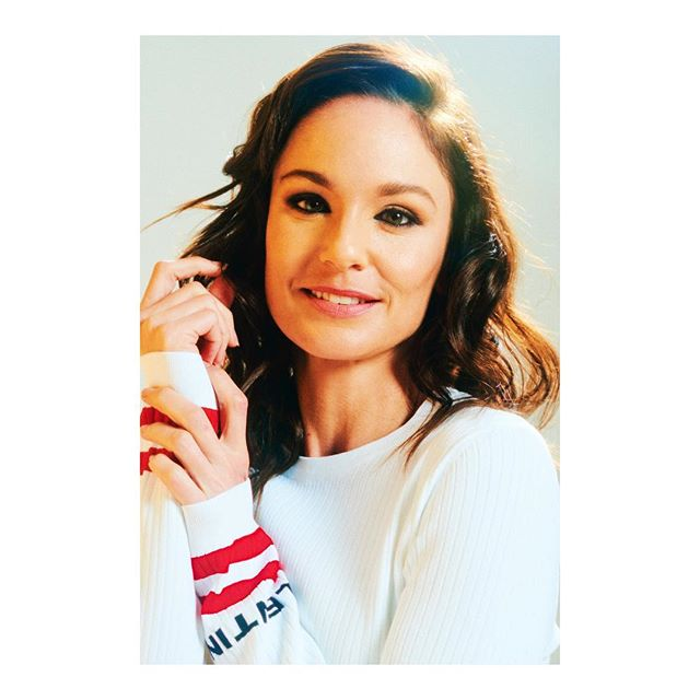 Originally from Hawaii, Sarah Wayne Callies has called Vancouver home for the past 12 years. Go check this story out now over at @montecristo_mag. // the wonderful @sarahwaynecallies writing by @sarowitz styling by @heyitsmonika MUA @pincottmakeup