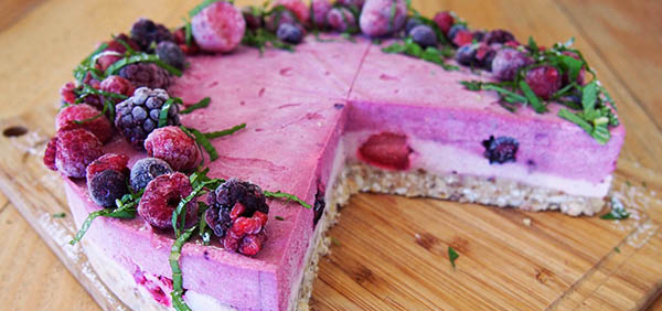 "raw, vegan berry ""cheesecake"""