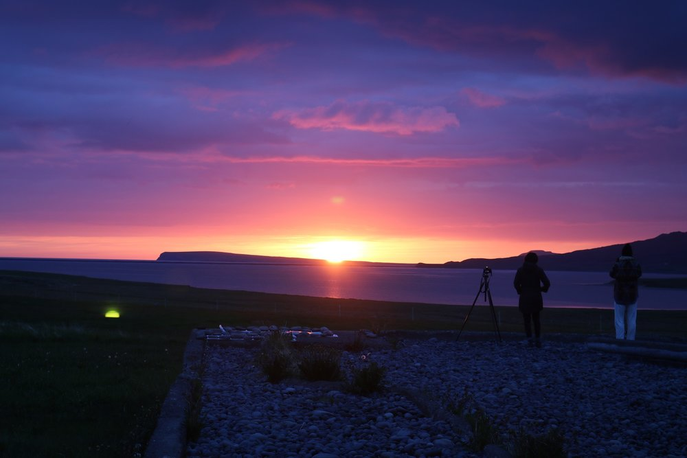 Watching and documenting the midnight sun