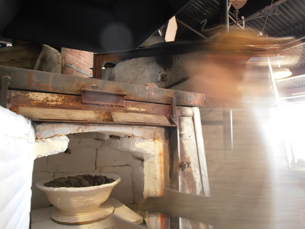 Unloading a kiln