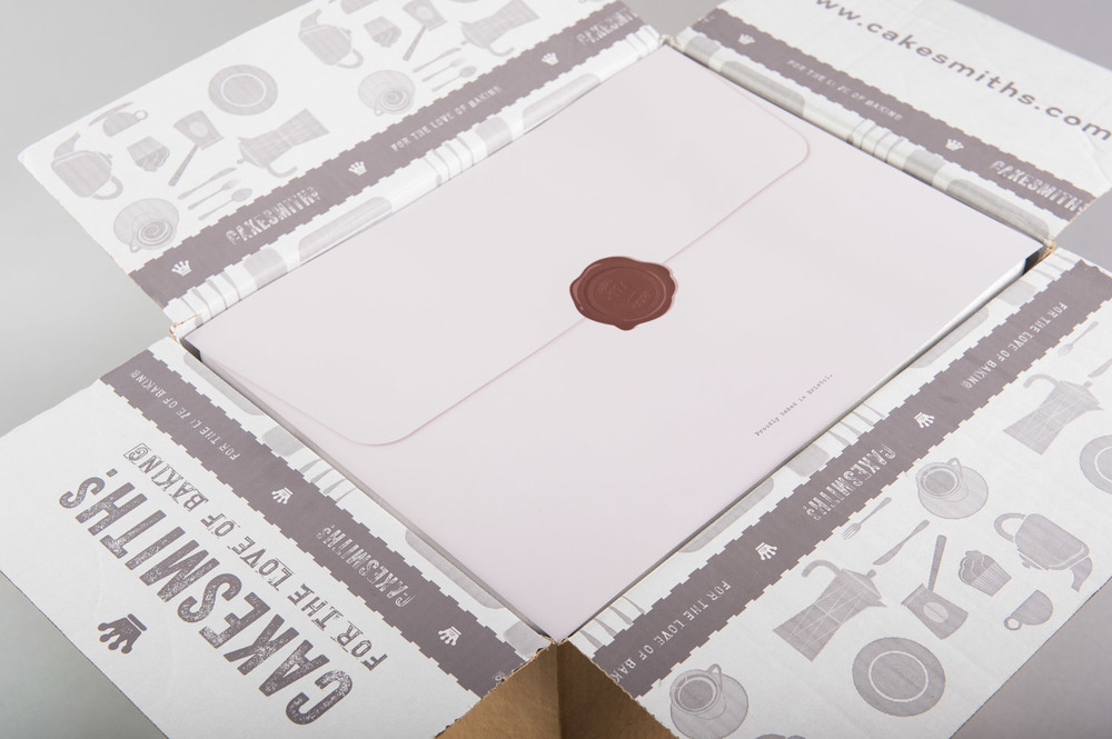 cakesmiths-packaging-mail-order-box-design-by-get-it-sorted.jpg