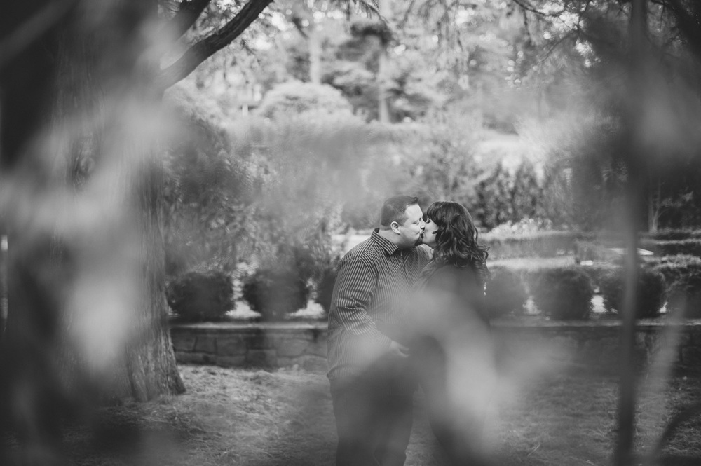 longwood-gardens-engagement-session-3.jpg