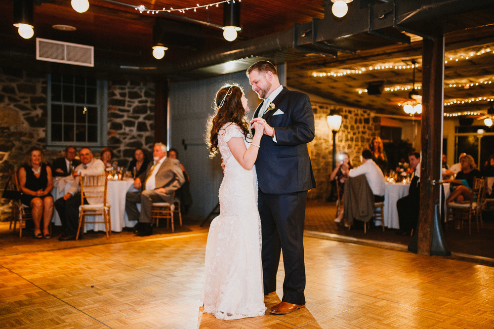 The_Carriage_House_at_Rockwood_Park_wedding_photo080.jpg