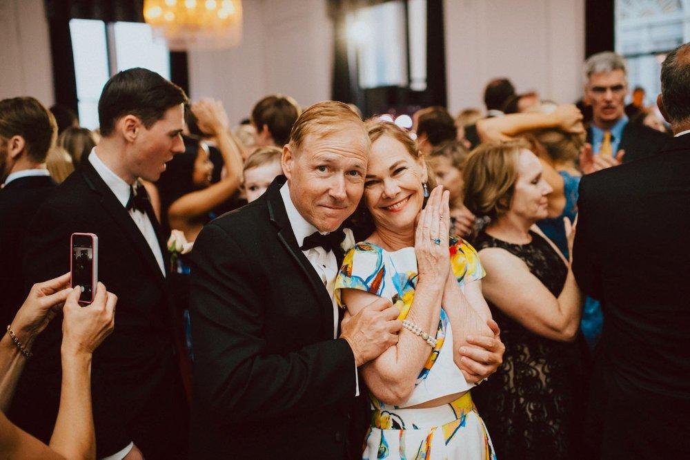 downtown-club-philadelphia-wedding-photographer-102.jpg